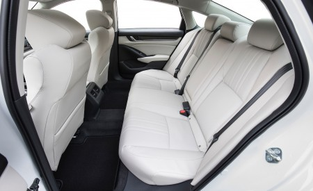 2018 Honda Accord Touring 1.5T Interior Rear Seats Wallpapers 450x275 (87)