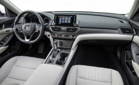 2018 Honda Accord Touring 1.5T Interior Wallpapers 450x275 (90)