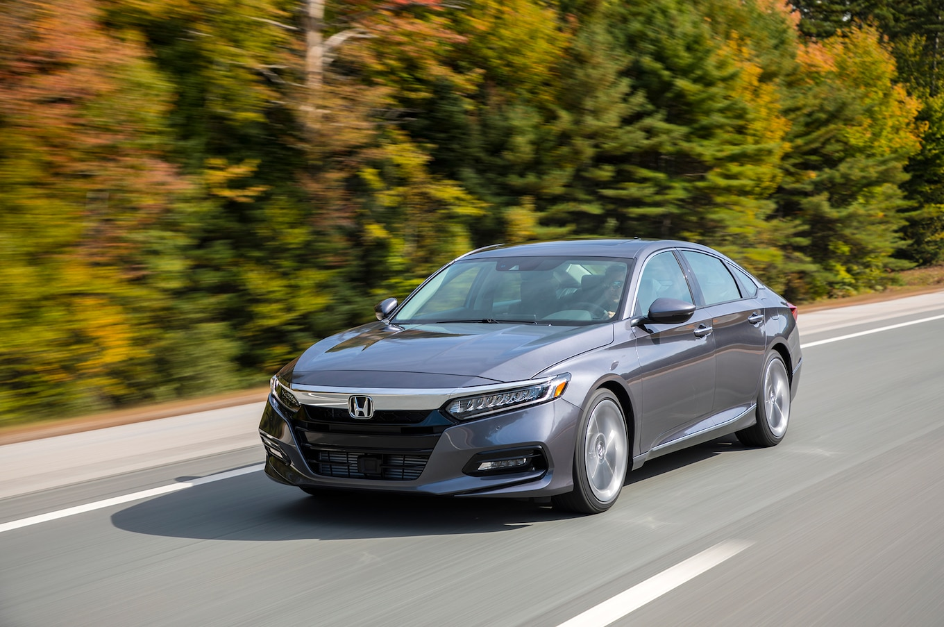 2018 Honda Accord Touring 2.0T Front Three-Quarter Wallpapers #56 of 107