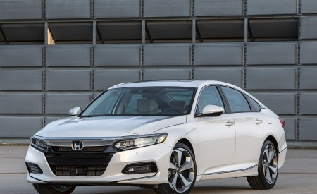 2018 Honda Accord Touring Front Wallpapers 450x275 (96)