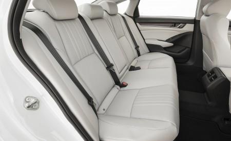 2018 Honda Accord Touring Interior Rear Seats Wallpapers 450x275 (104)