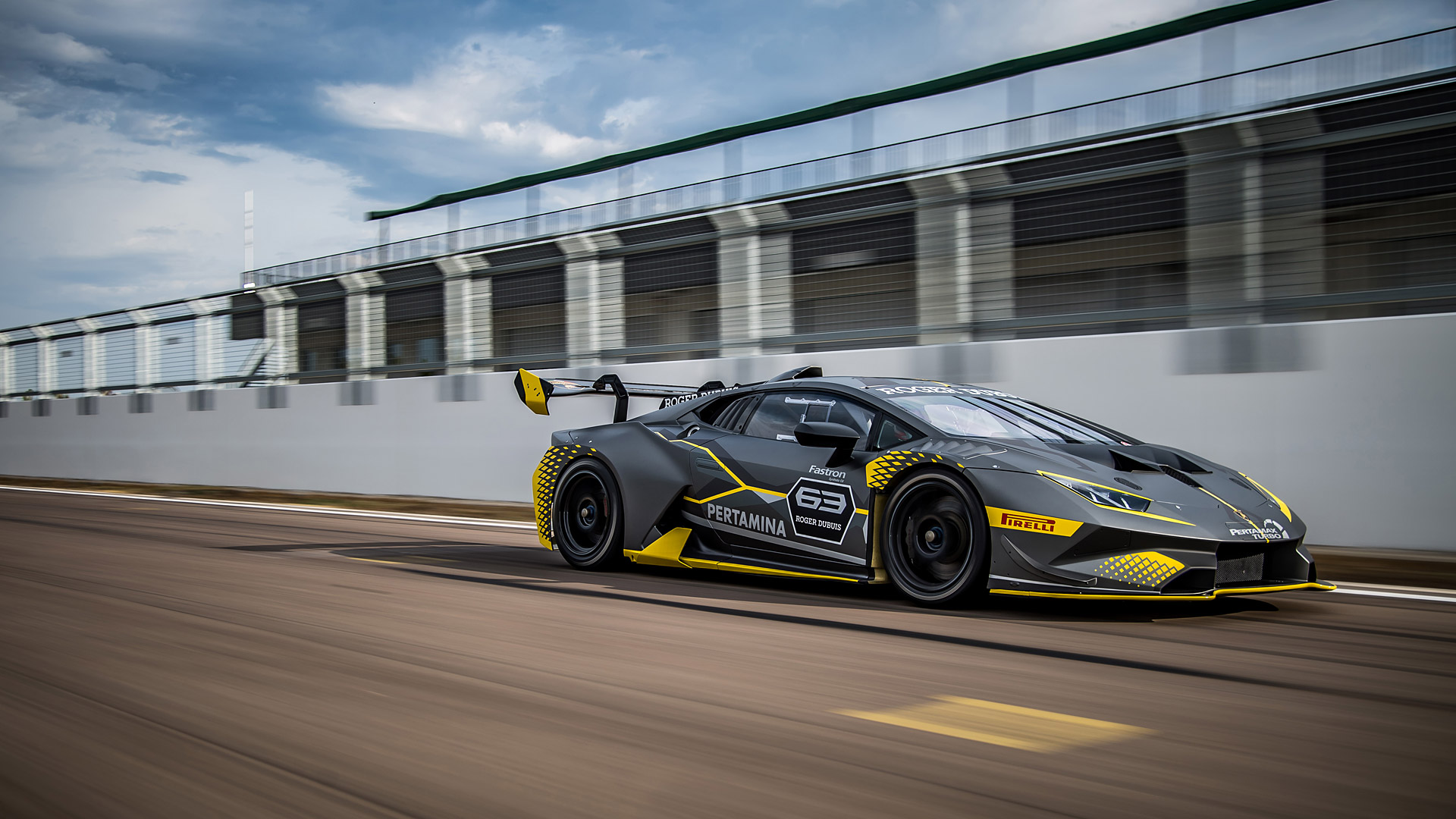 2018 Lamborghini Huracán Super Trofeo EVO Front Three-Quarter Wallpapers (2)
