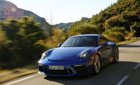 2018 Porsche 911 GT3 with Touring Package Front Three-Quarter Wallpaper 450x275 (42)