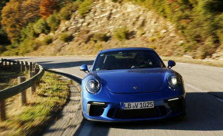2018 Porsche 911 GT3 with Touring Package Front Wallpaper 450x275 (43)
