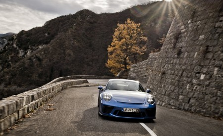 2018 Porsche 911 GT3 with Touring Package Front Wallpaper 450x275 (64)