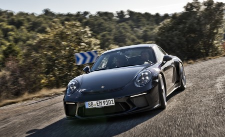 2018 Porsche 911 GT3 with Touring Package Front Wallpaper 450x275 (51)