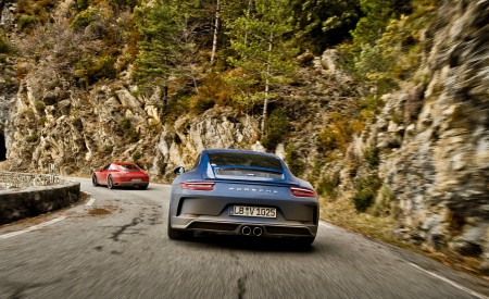 2018 Porsche 911 GT3 with Touring Package Rear Wallpaper 450x275 (35)