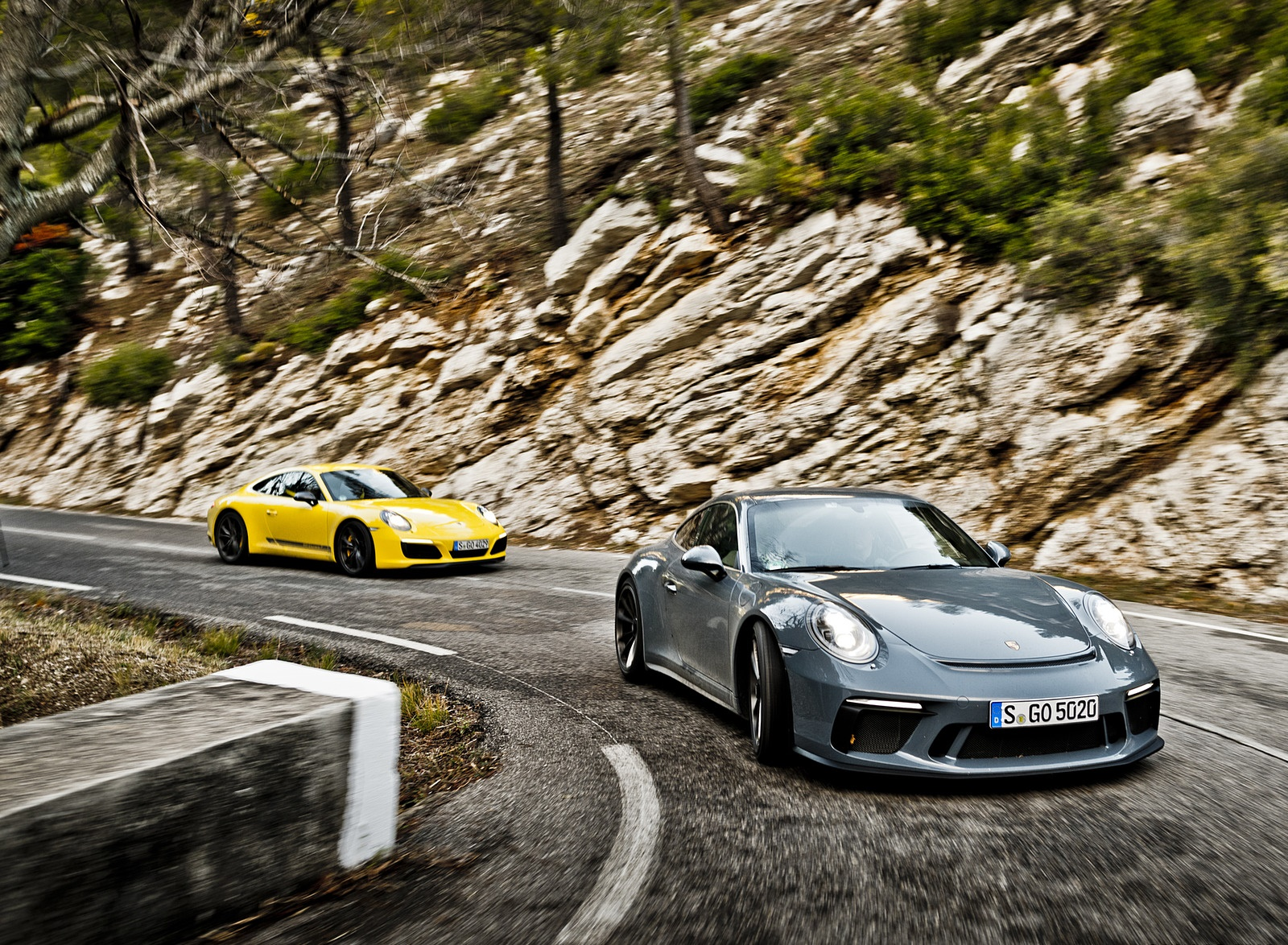 2018 Porsche 911 GT3 with Touring Package and 911 Carrera T Front Wallpapers (1)
