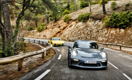 2018 Porsche 911 GT3 with Touring Package and 911 Carrera T Front Wallpaper 450x275 (6)