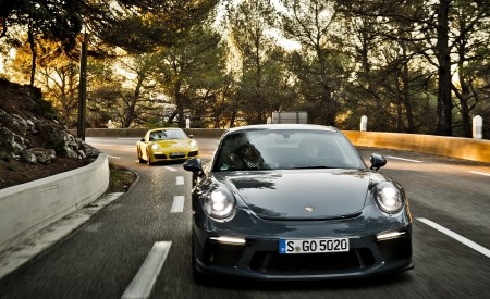 2018 Porsche 911 GT3 with Touring Package and 911 Carrera T Front Wallpaper 450x275 (7)