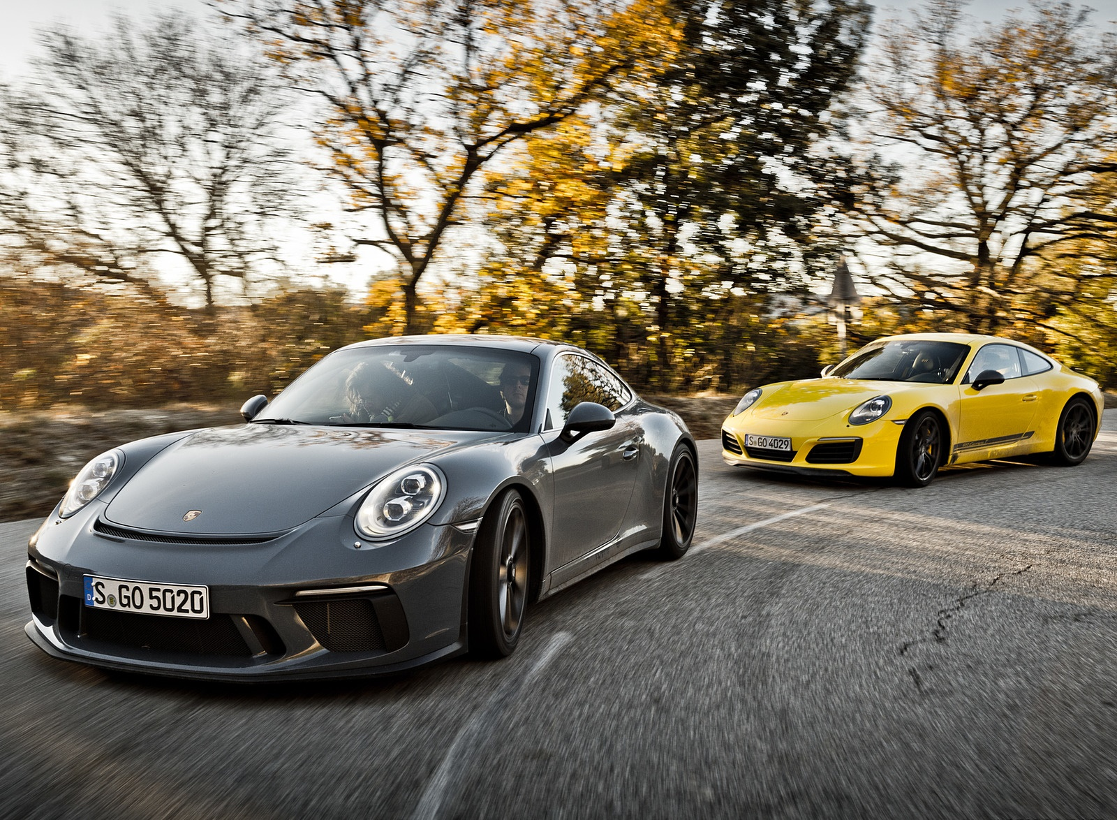 2018 Porsche 911 GT3 with Touring Package and 911 Carrera T Front Wallpapers (9)