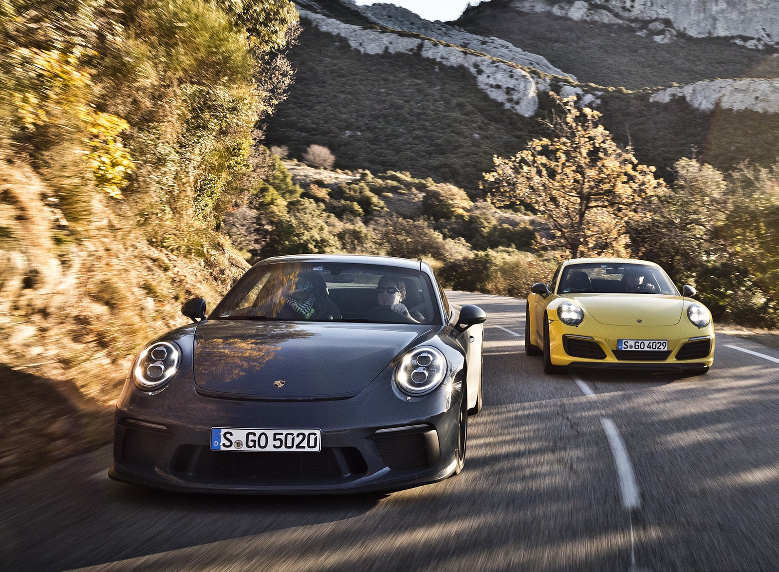 2018 Porsche 911 GT3 with Touring Package and 911 Carrera T Front Wallpapers (2)