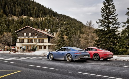 2018 Porsche 911 GT3 with Touring Package and 911 Carrera T Rear Three-Quarter Wallpaper 450x275 (37)