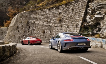 2018 Porsche 911 GT3 with Touring Package and 911 Carrera T Rear Three-Quarter Wallpaper 450x275 (38)