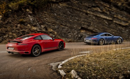 2018 Porsche 911 GT3 with Touring Package and 911 Carrera T Rear Three-Quarter Wallpaper 450x275 (26)