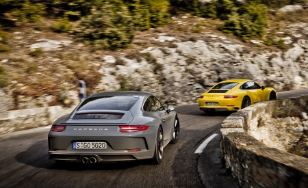 2018 Porsche 911 GT3 with Touring Package and 911 Carrera T Rear Wallpaper 450x275 (10)
