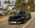 2019 Aston Martin Vantage (Onyx Black) Front Three-Quarter Wallpaper 150x120 (4)
