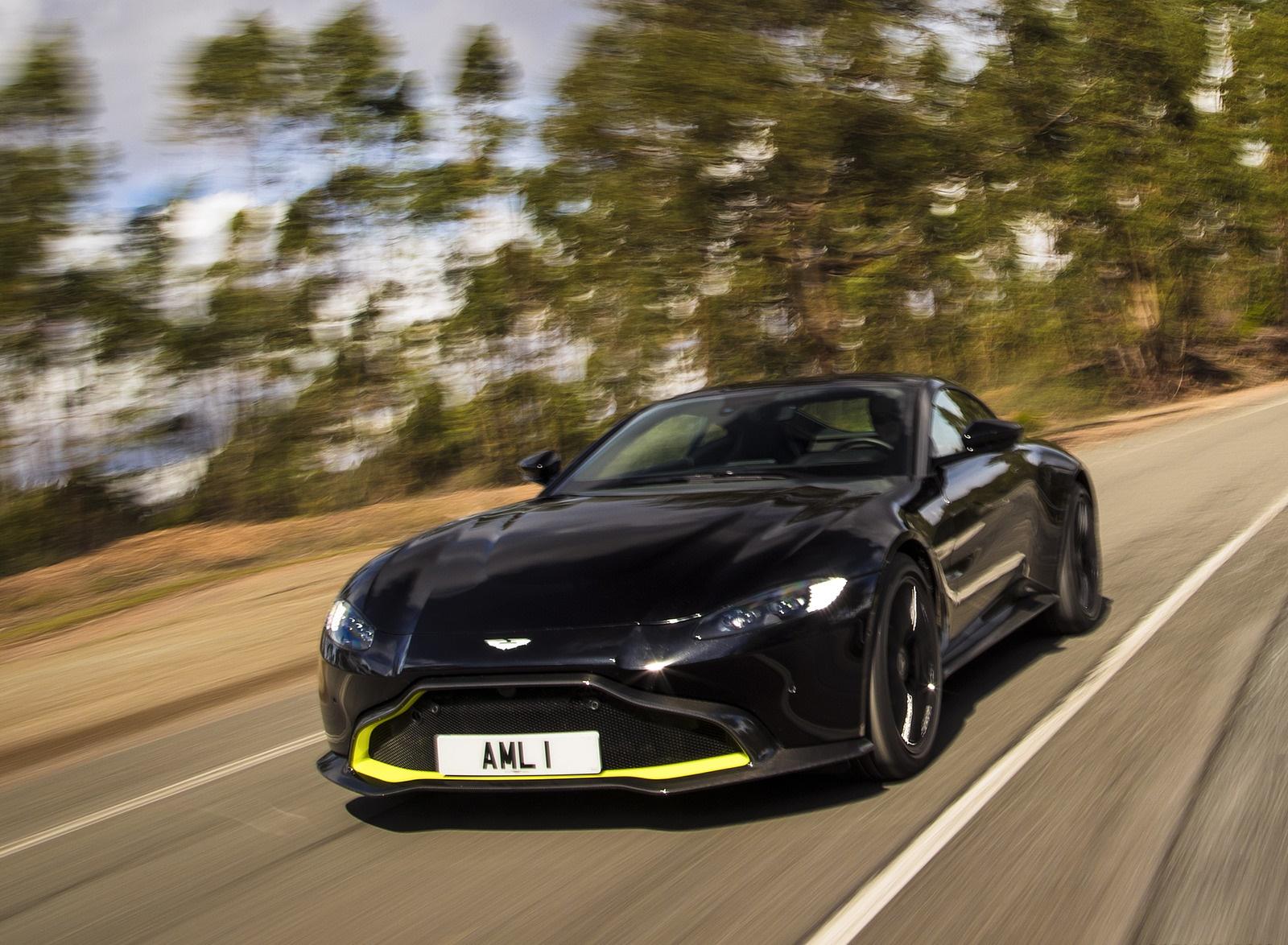 2019 Aston Martin Vantage (Onyx Black) Front Three-Quarter Wallpaper (4)