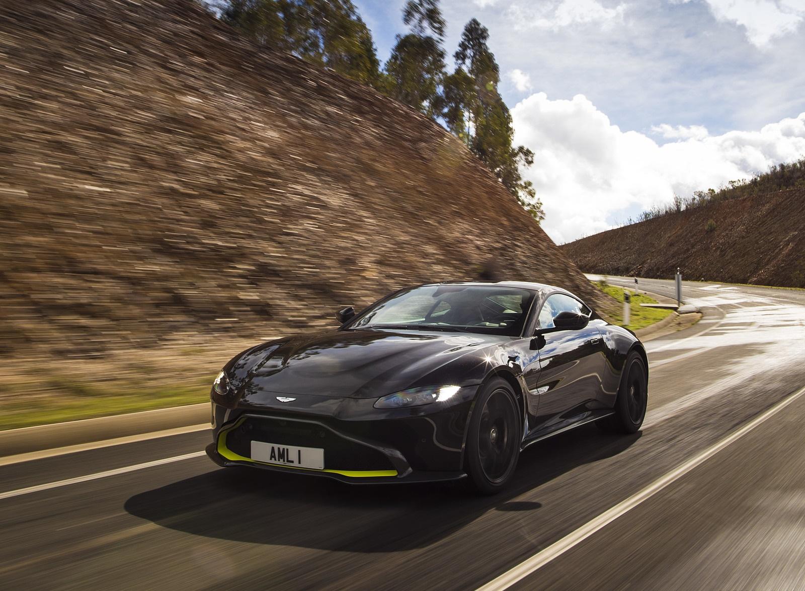 2019 Aston Martin Vantage (Onyx Black) Front Three-Quarter Wallpaper (6)