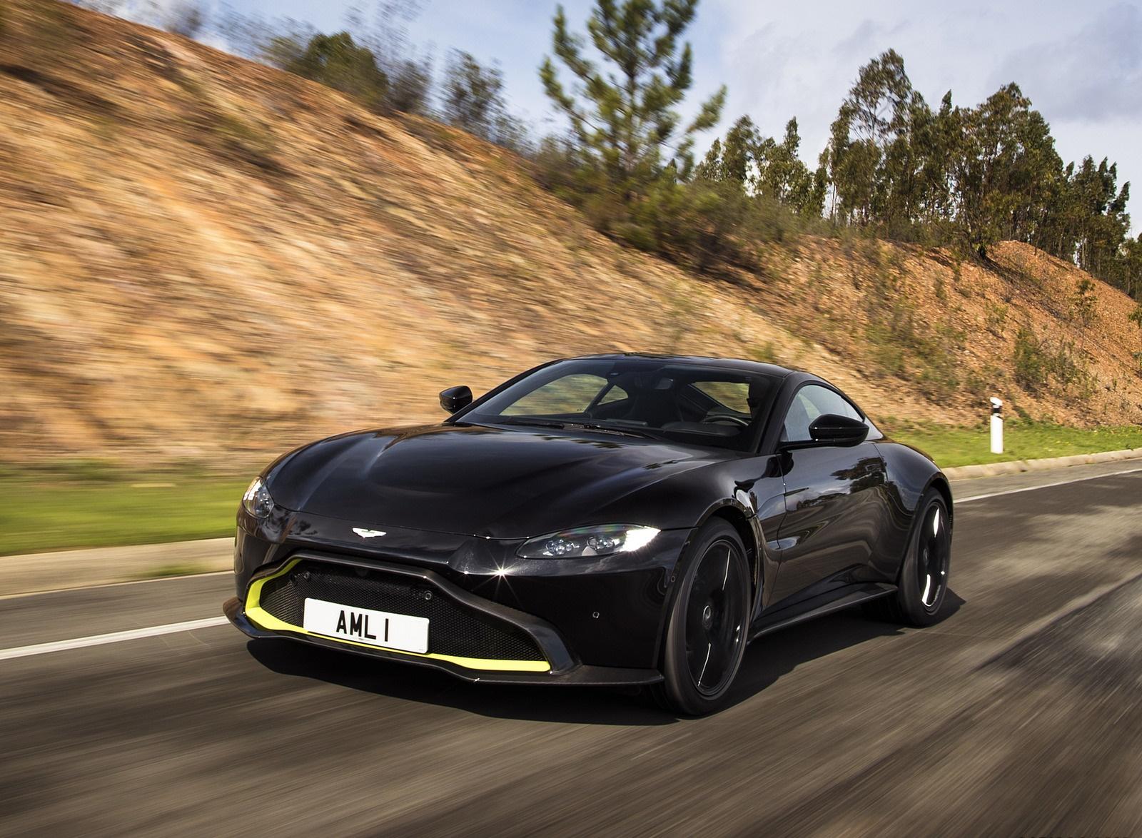 2019 Aston Martin Vantage (Onyx Black) Front Three-Quarter Wallpaper (7)