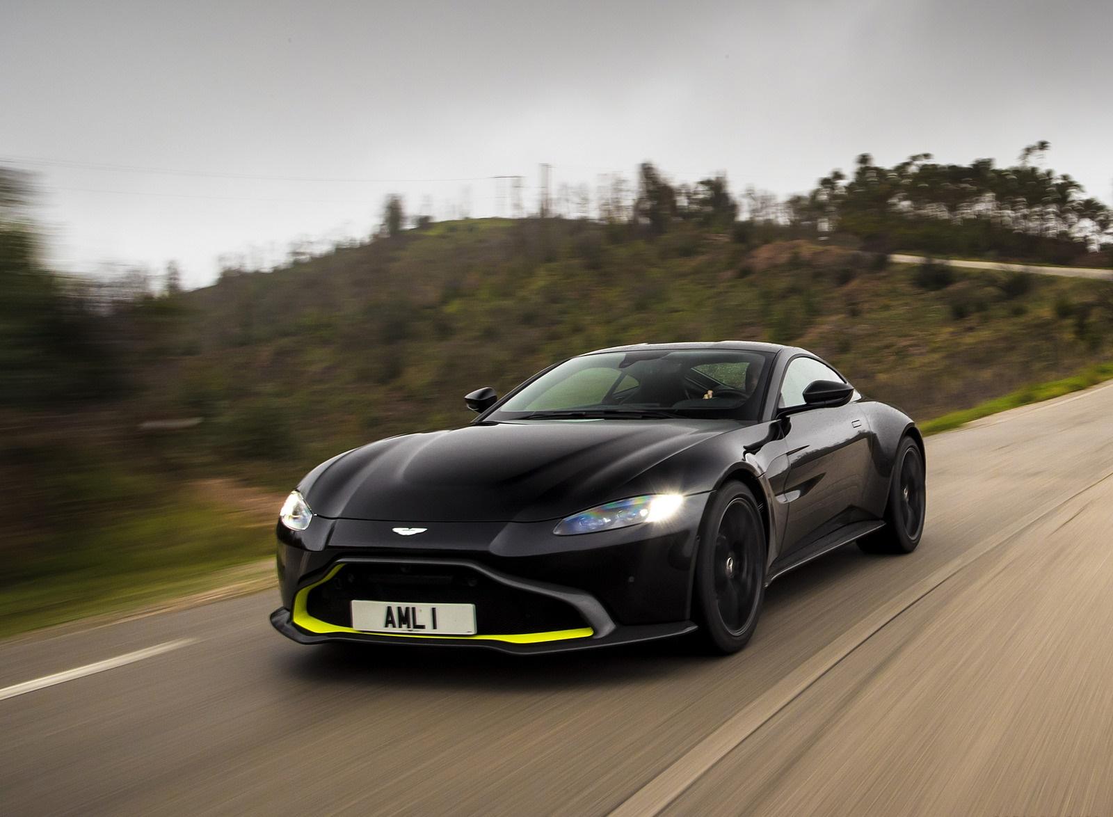 2019 Aston Martin Vantage (Onyx Black) Front Three-Quarter Wallpaper (14)