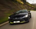 2019 Aston Martin Vantage (Onyx Black) Front Wallpapers 150x120 (16)