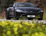 2019 Aston Martin Vantage (Onyx Black) Front Wallpapers 150x120 (17)