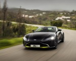 2019 Aston Martin Vantage (Onyx Black) Front Wallpapers 150x120 (24)