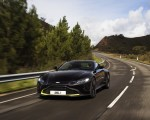 2019 Aston Martin Vantage (Onyx Black) Front Wallpapers 150x120 (11)