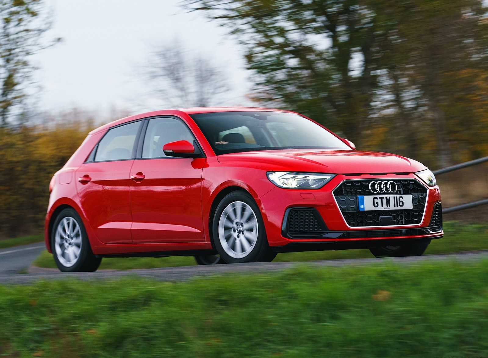 2019 Audi A1 Sportback 30 TFSI (UK-Spec) Front Three-Quarter Wallpapers (13)