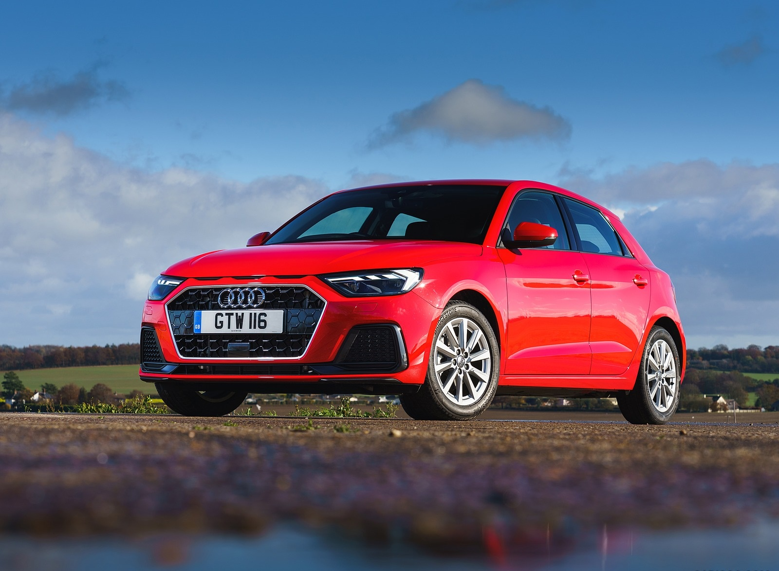 2019 Audi A1 Sportback 30 TFSI (UK-Spec) Front Three-Quarter Wallpapers (14)