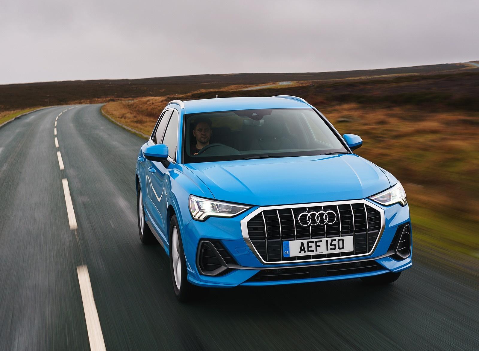 2019 Audi Q3 35 TFSI (UK-Spec) Front Wallpaper (12)