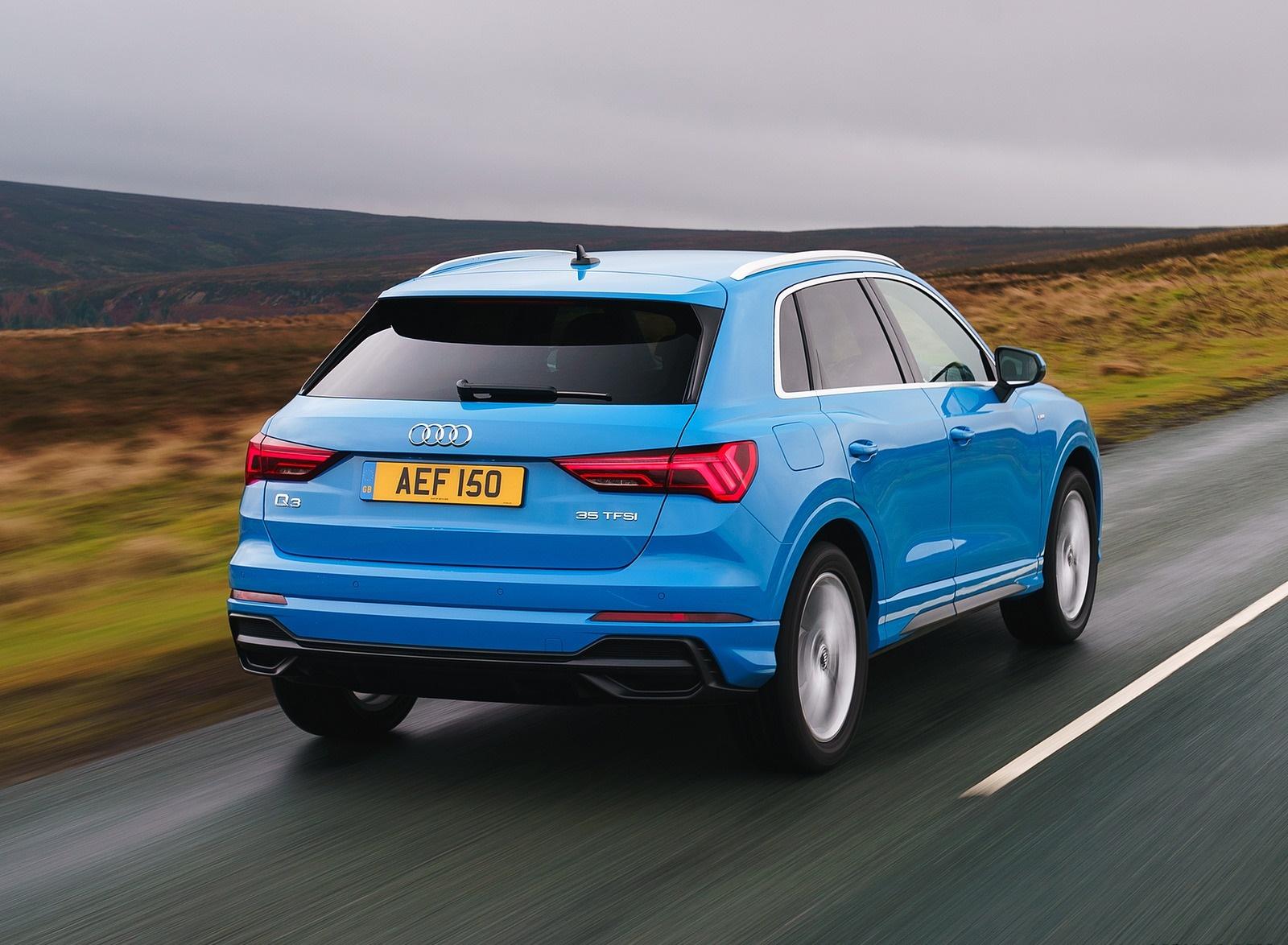 2019 Audi Q3 35 TFSI (UK-Spec) Rear Three-Quarter Wallpaper (7)