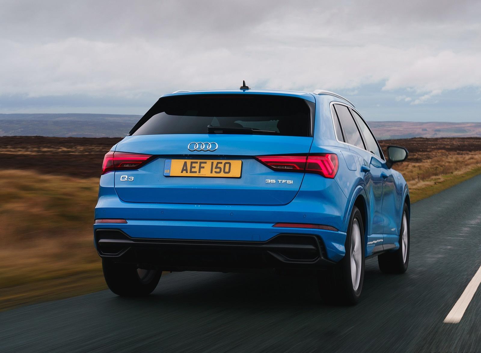 2019 Audi Q3 35 TFSI (UK-Spec) Rear Wallpaper (9)