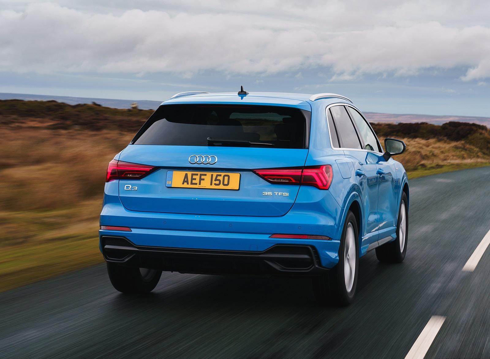 2019 Audi Q3 35 TFSI (UK-Spec) Rear Wallpaper (3)