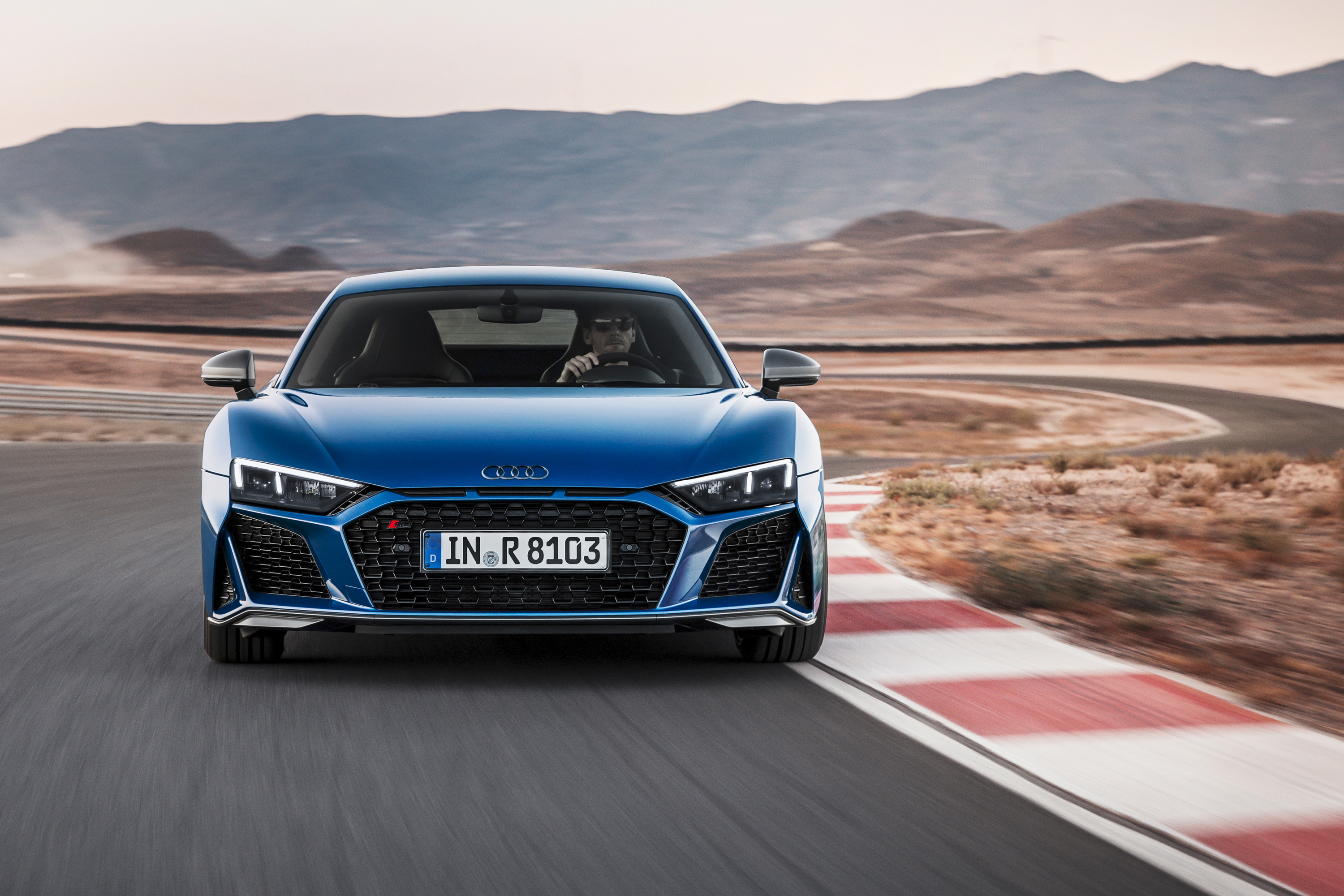 2019 Audi R8 Coupe (Color: Ascari Blue Metallic) Front Wallpaper (2)