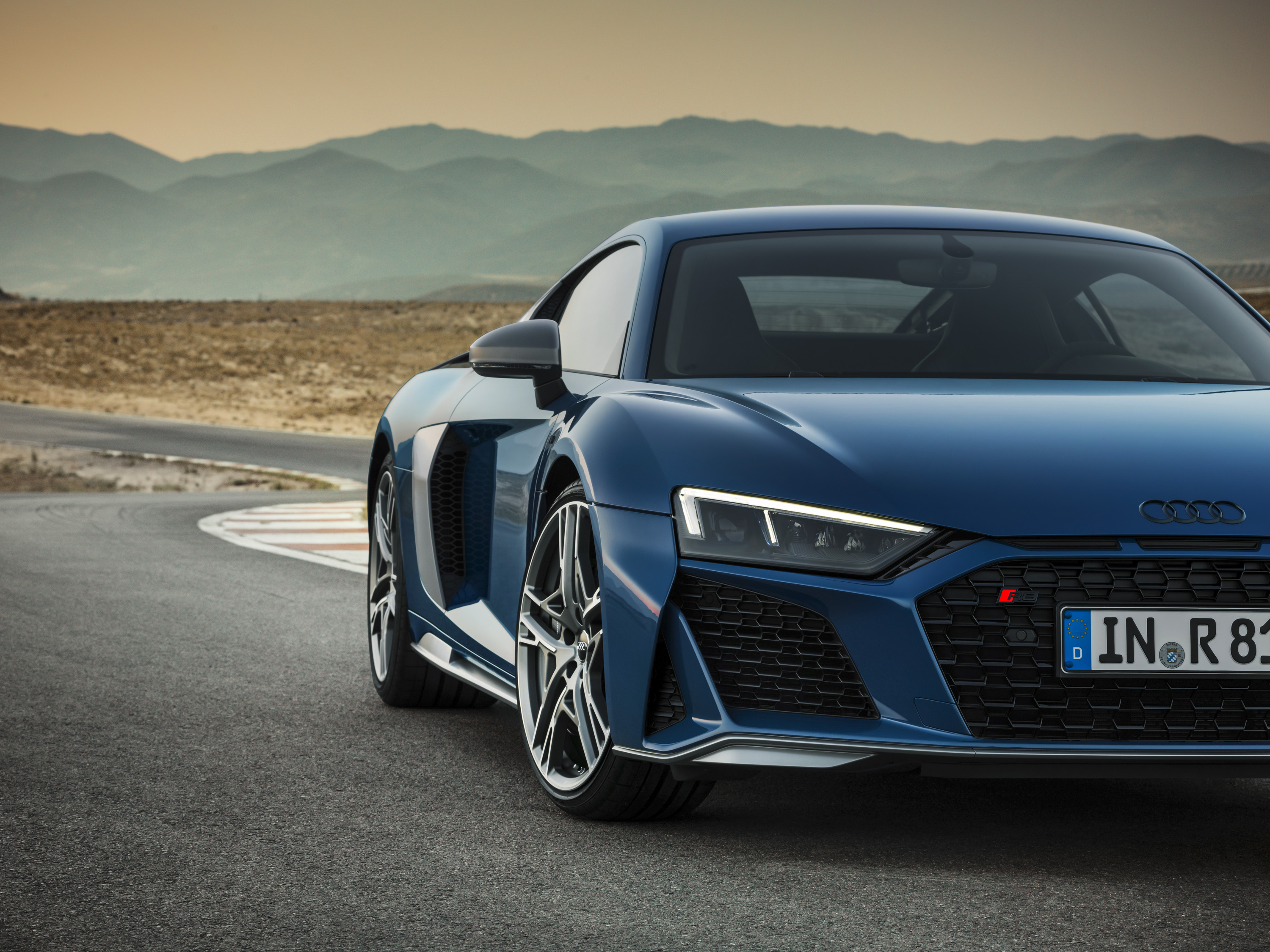 2019 Audi R8 Coupe (Color: Ascari Blue Metallic) Front Wallpaper (9)