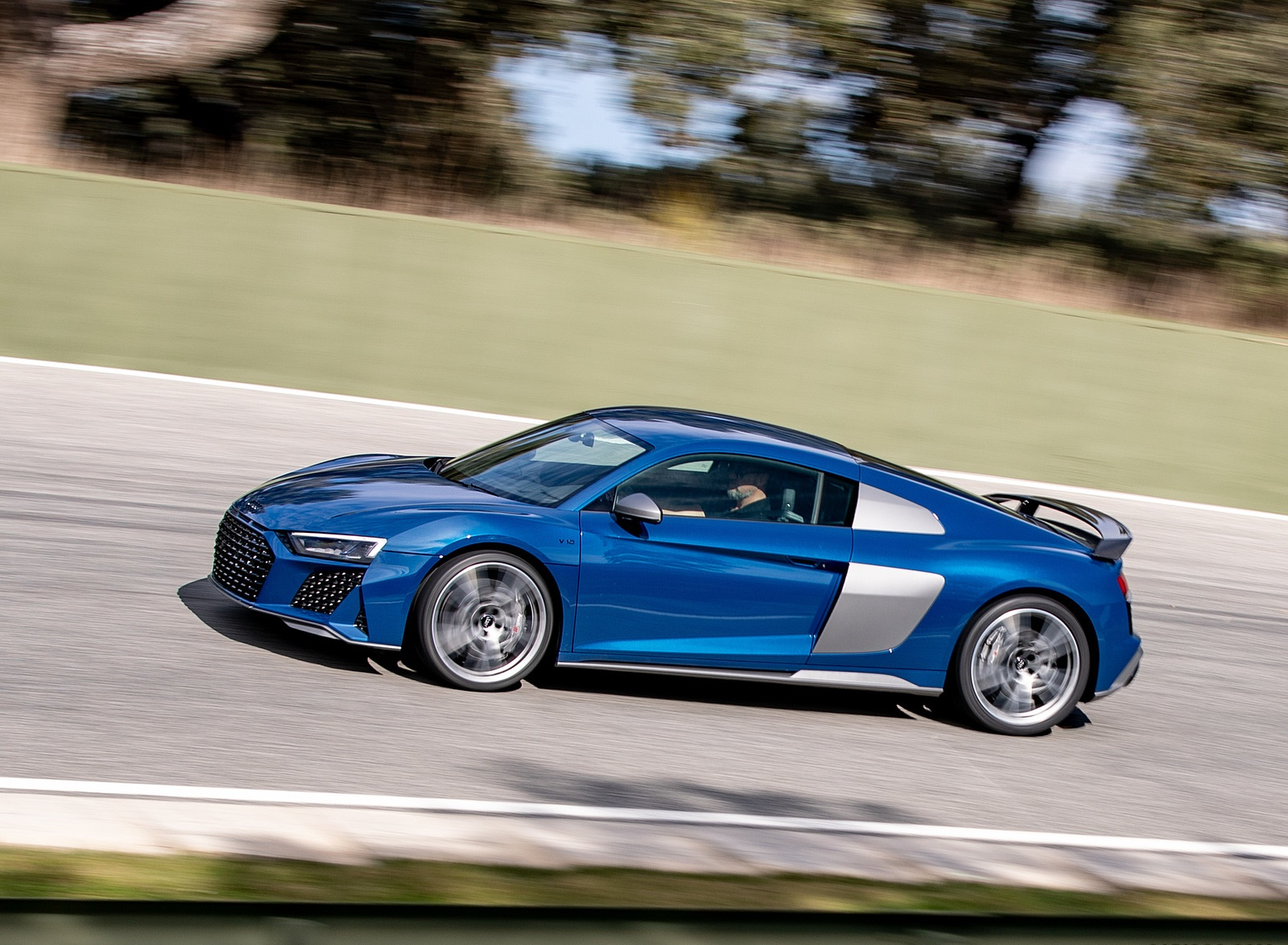 2019 Audi R8 V10 Coupe (Color: Ascari Blue Metallic) Side Wallpapers (6)