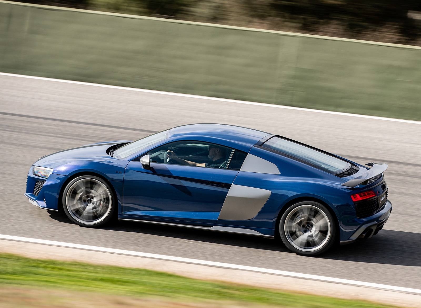 2019 Audi R8 V10 Coupe (Color: Ascari Blue Metallic) Side Wallpaper (7)