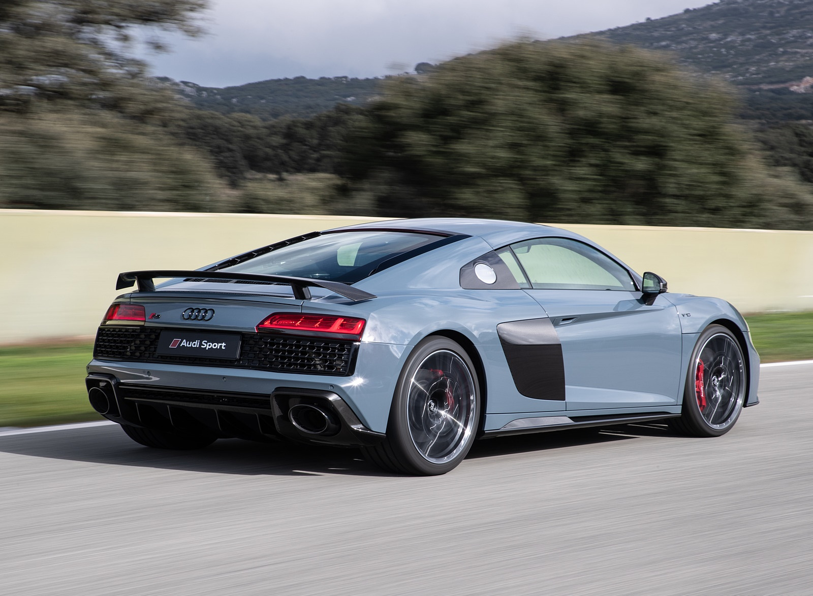2019 Audi R8 V10 Coupe (Color: Kemora Gray Metallic) Rear Three-Quarter Wallpaper (14)