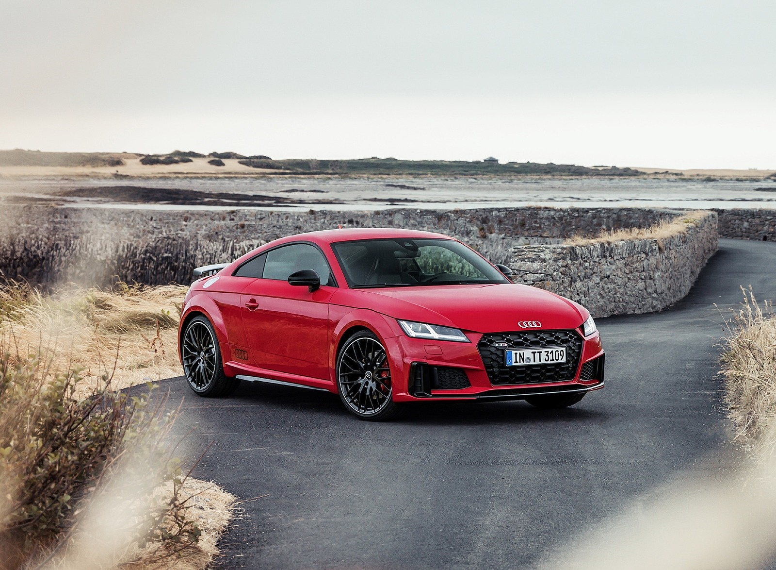 2019 Audi TTS Coupe Competition (Color: Tango Red) Front Three-Quarter Wallpapers (4)