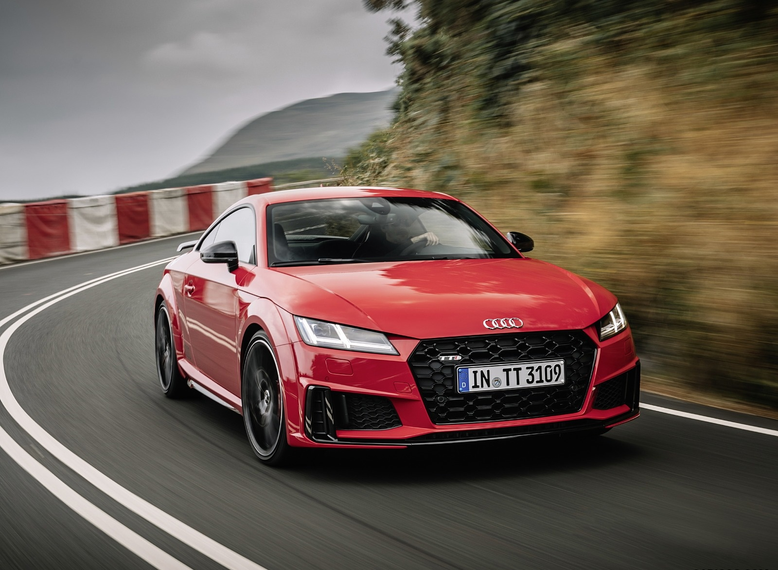 2019 Audi TTS Coupe Competition (Color: Tango Red) Front Three-Quarter Wallpapers (1)