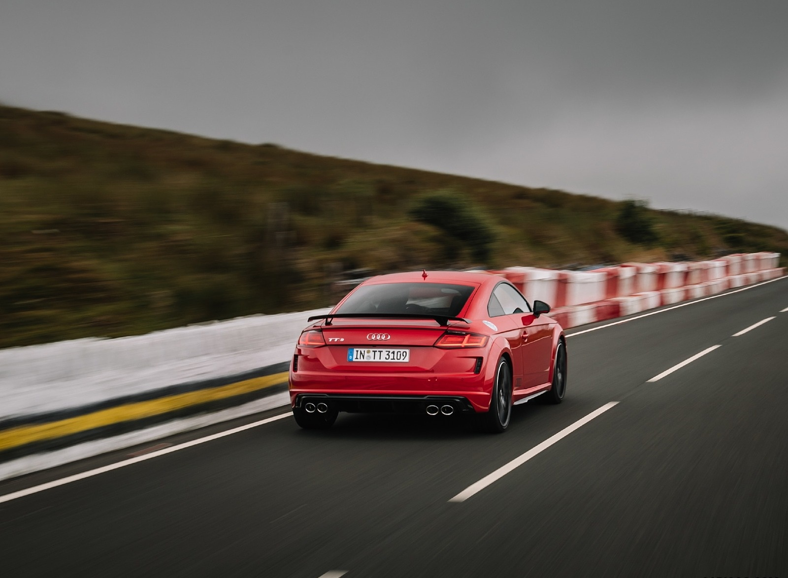 2019 Audi TTS Coupe Competition (Color: Tango Red) Rear Three-Quarter Wallpapers (2)