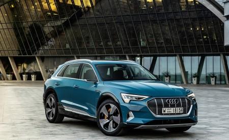 2019 Audi e-tron (Color: Antigua Blue) Front Three-Quarter Wallpaper 450x275 (102)