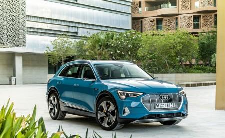 2019 Audi e-tron (Color: Antigua Blue) Front Three-Quarter Wallpaper 450x275 (103)