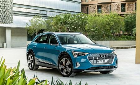 2019 Audi e-tron (Color: Antigua Blue) Front Three-Quarter Wallpaper 450x275 (104)