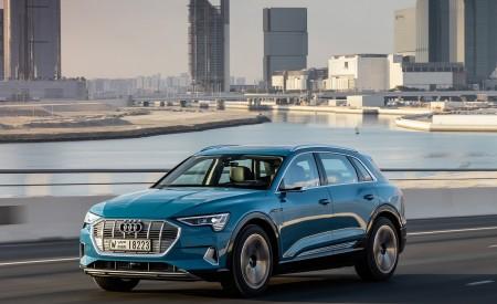 2019 Audi e-tron (Color: Antigua Blue) Front Three-Quarter Wallpaper 450x275 (88)