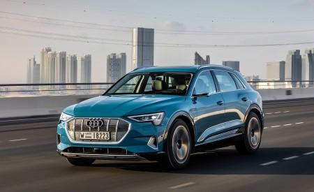 2019 Audi e-tron (Color: Antigua Blue) Front Three-Quarter Wallpaper 450x275 (89)