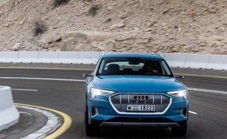 2019 Audi e-tron (Color: Antigua Blue) Front Wallpaper 450x275 (57)