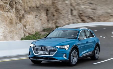 2019 Audi e-tron (Color: Antigua Blue) Front Wallpaper 450x275 (59)
